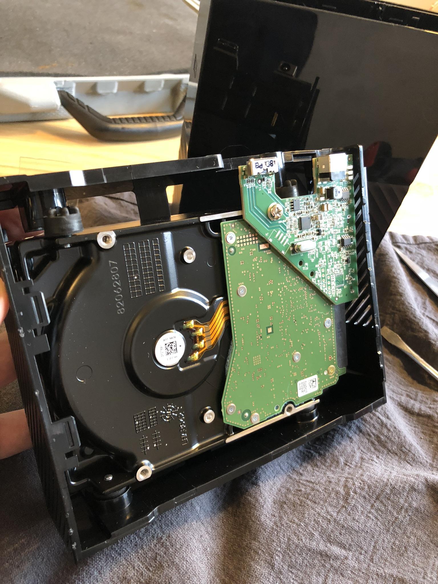 Shucking Western Digital My Book 8 TB WDBBGB0080HBK-EESN